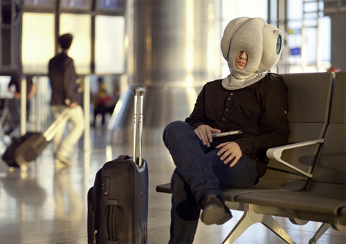Необычный способ поспать. Подушка-страус