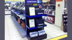 Рекламные стойки в супермаркете
