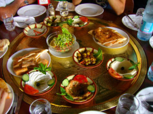 Ресторан с едой на развес